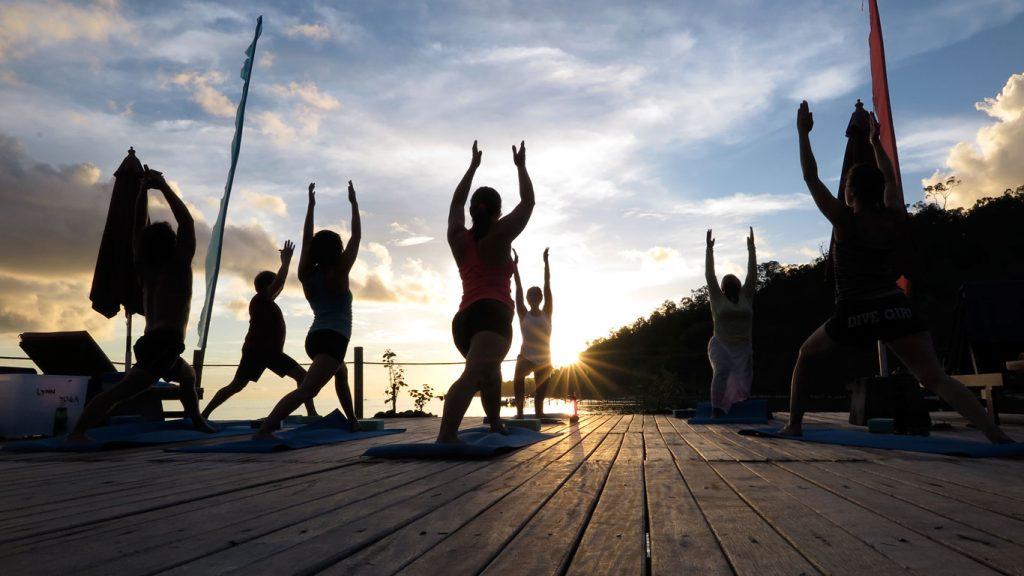 papuaexplorers_yoga1