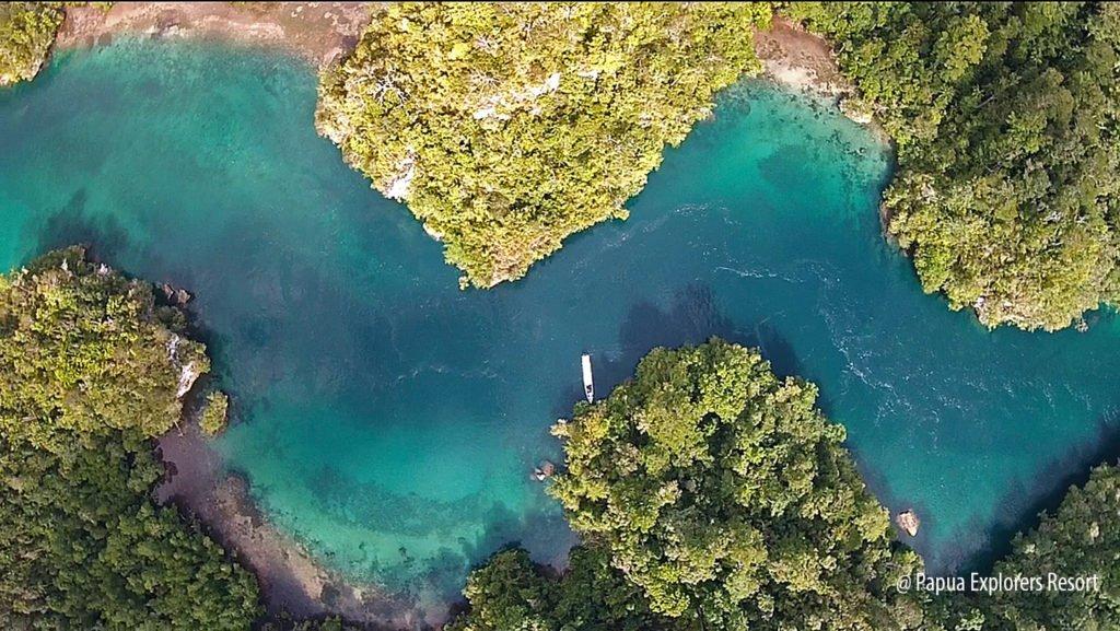 Activities in raja ampat papua explorers resort - Raja ampat explorers dive resort ...