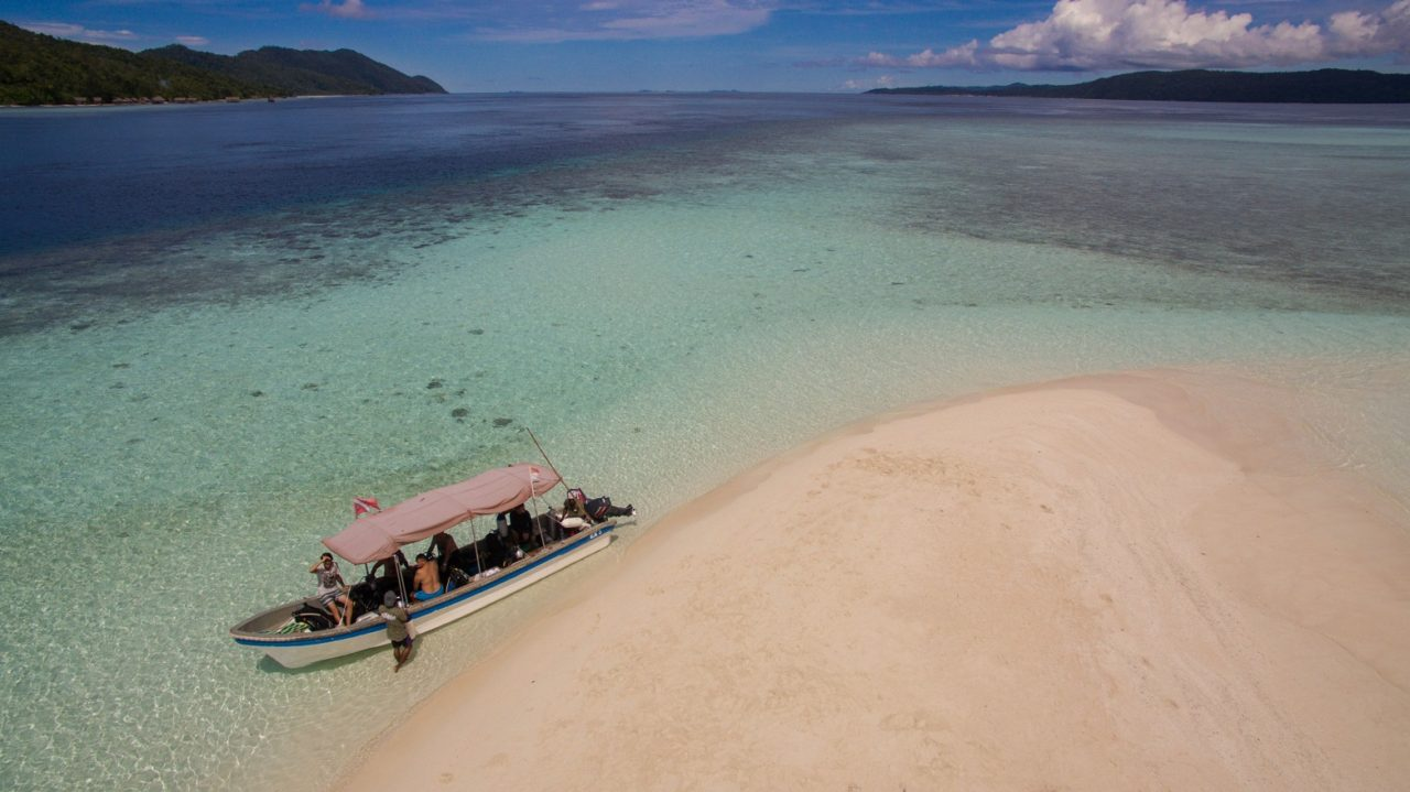 seaview and sandbank on diving break near Papua Explorers Dive Resort