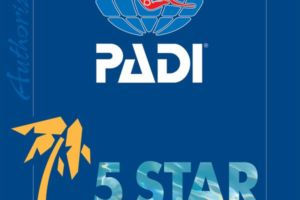 PADI five star dive resort logo